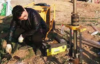 液压犀牛柱状土采样钻机12米采样实记